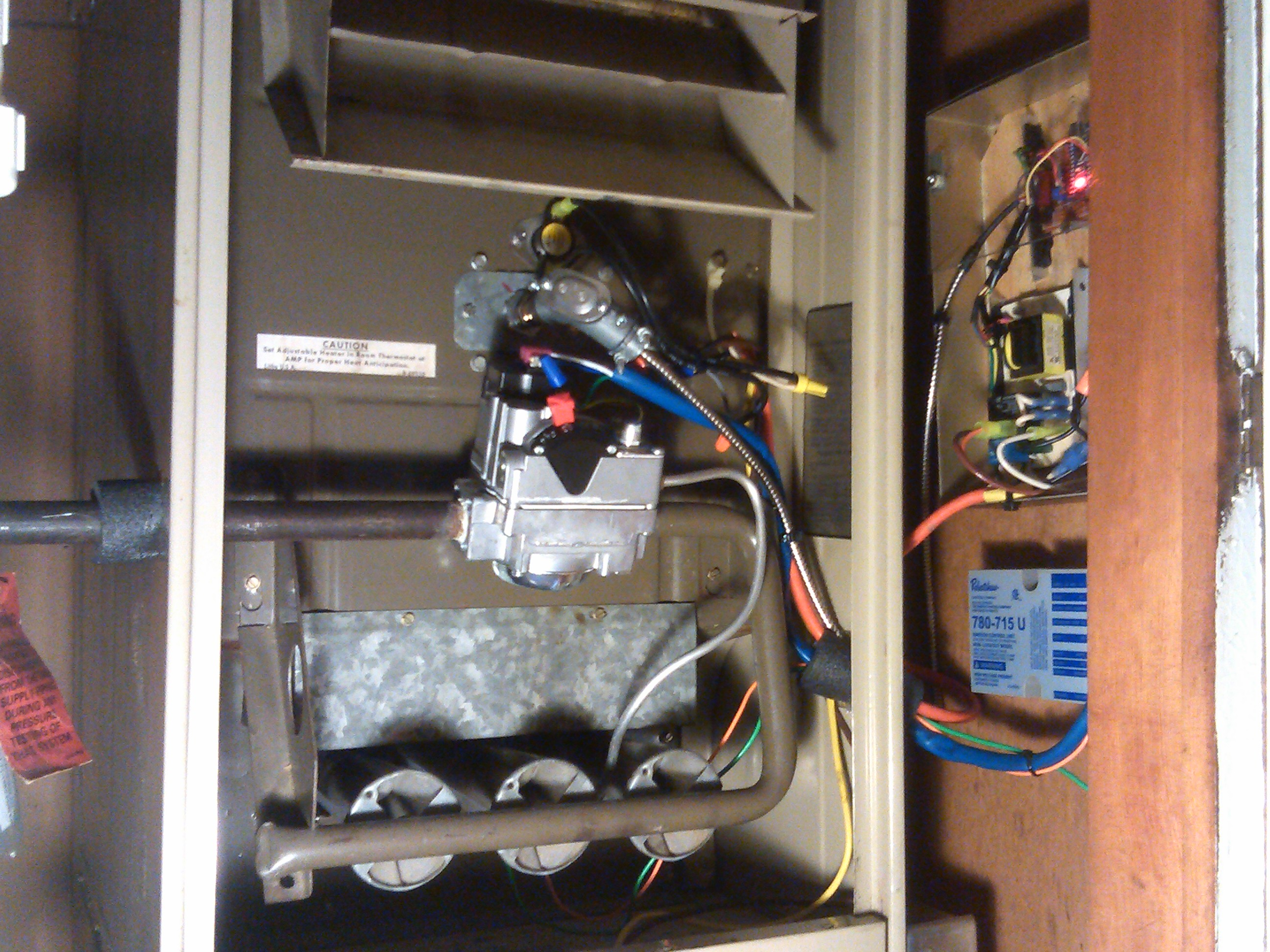 Designing a Furnace Fan and Limit Controller Using an NTC